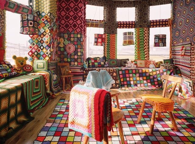 Urban Knitting – Creative Yarn Bombs and Art