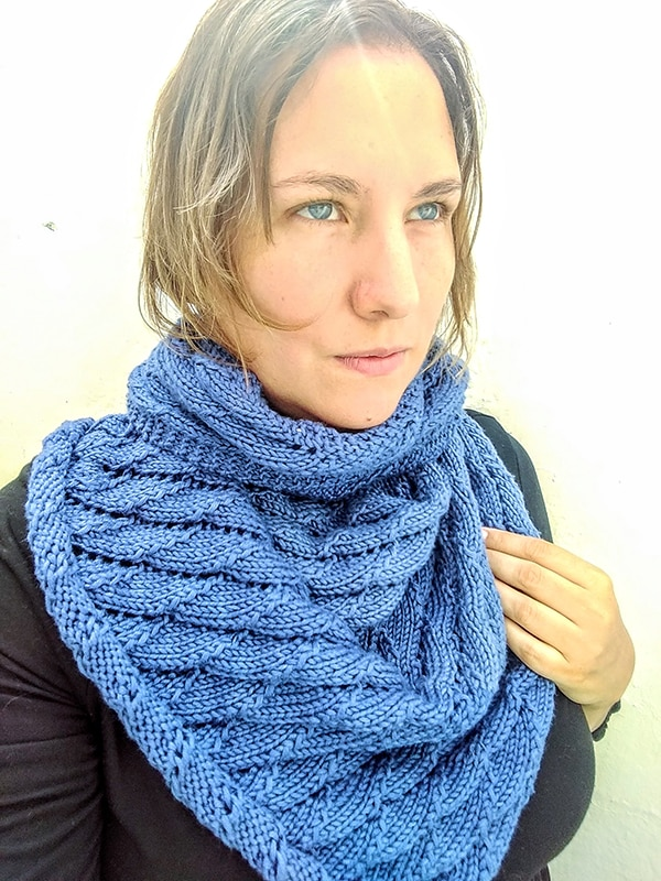 Overlapping Waves Shawl Knitting Pattern