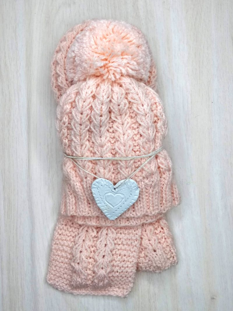 Knitted heart pattern set for toddlers