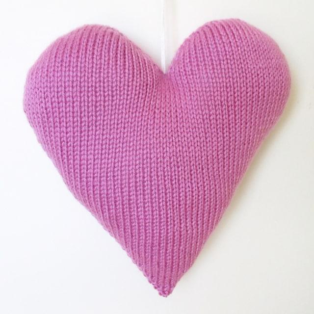 Heart Pillow Knitting Pattern