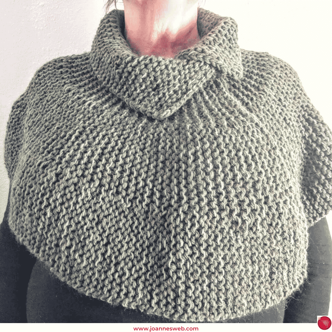 Capelet with Collar